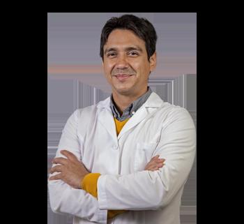 Dr. César Casanova González